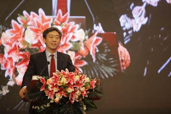 中国与世界经济研究中心主任 李稻葵